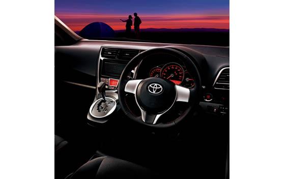 Toyota Ractis 6