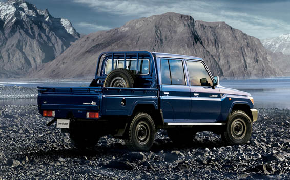 Toyota Landcruiser 70 14