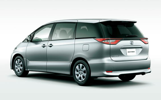 Toyota Estima 4