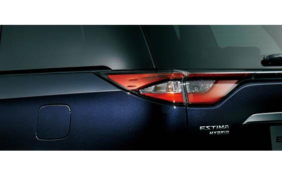 Toyota Estima Hybrid 6