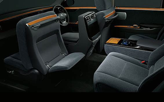 Toyota Century 17