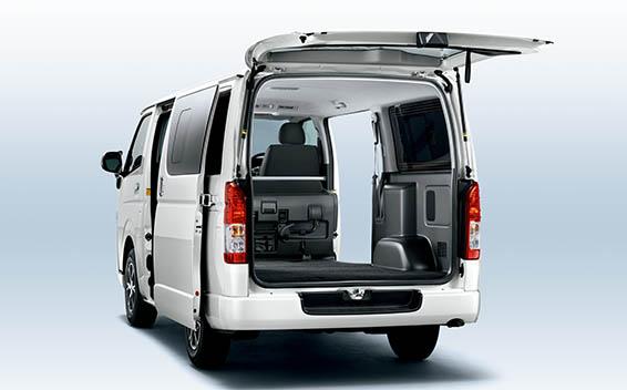 Toyota Hiace Van 7