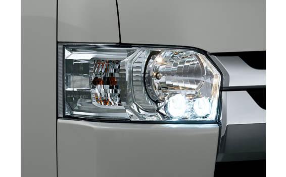 Toyota Hiace Van 8