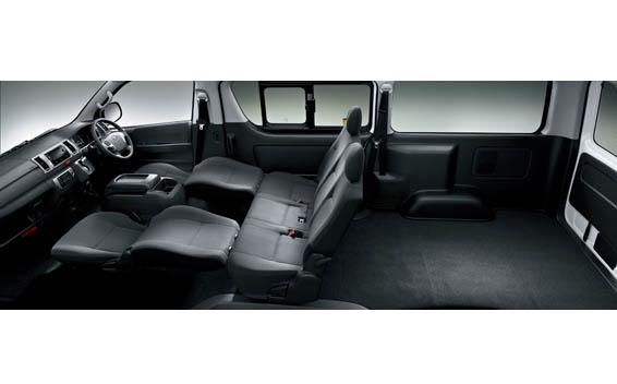 Toyota Hiace Van 12