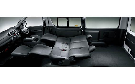 Toyota Hiace Van 13