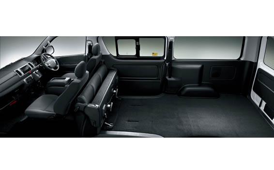 Toyota Hiace Van 14