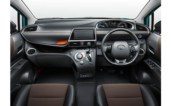 Toyota Sienta 4