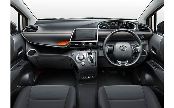 Toyota Sienta 7