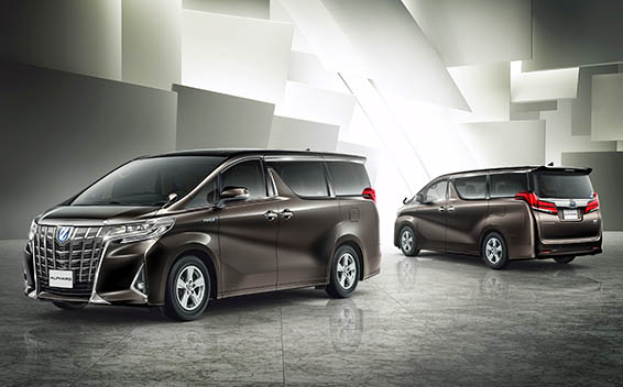Toyota Alphard Hybrid 6