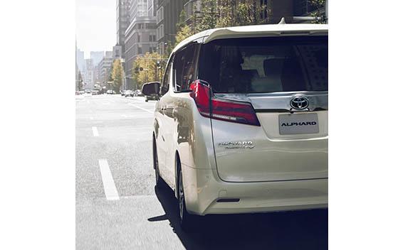 Toyota Alphard Hybrid 13