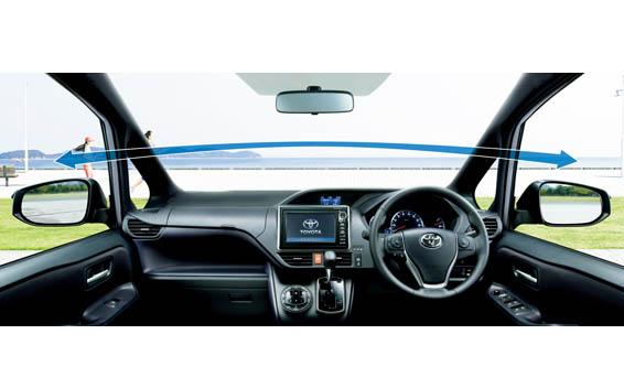 Toyota Noah 4