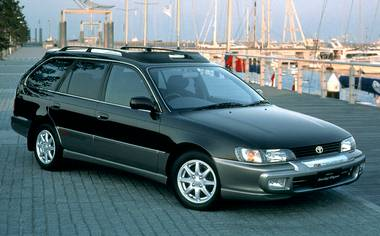 Toyota Corolla Touring Wagon G TOURING AERO LOOK PACKAGE AT 2.2 D (2000)