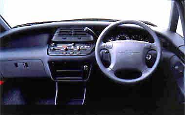 Toyota Estima Lucida 2