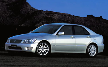 Toyota Altezza AS200 WISE SELECTION III AT 2.0 (2003)