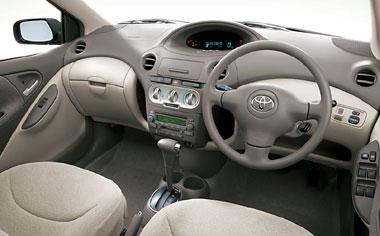 Toyota Platz 3