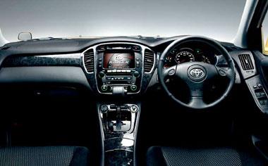 Toyota Kluger V 3