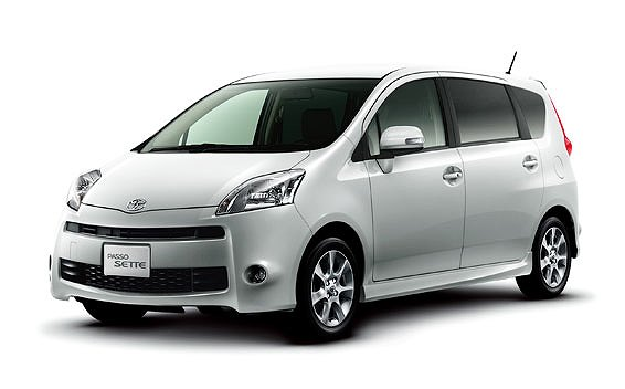 Toyota Passo Sette 6