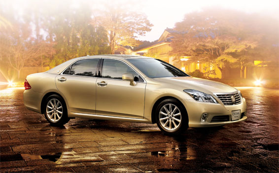 Toyota Crown Royal Series ROYALSALOON I FOUR SPECIAL PACKAGE 4WD AT 2.5 (2010)