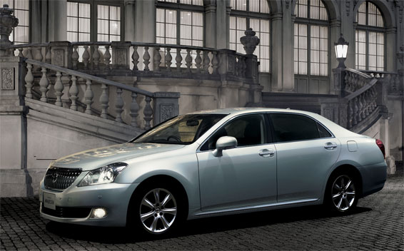 Toyota Crown Majesta I FOUR 4WD AT 4.3 (2010)