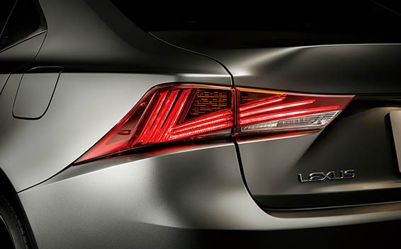 Lexus IS 10