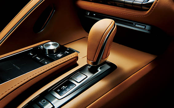 Lexus LC 17