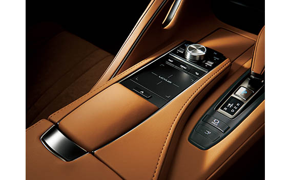 Lexus LC 18