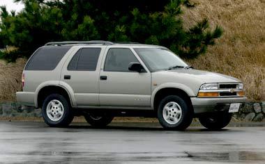 GM Blazer LT RHD 4WD AT (2000)