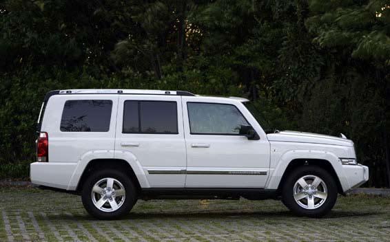 Chrysler Commander 3
