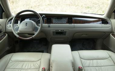 Ford Town Car 3