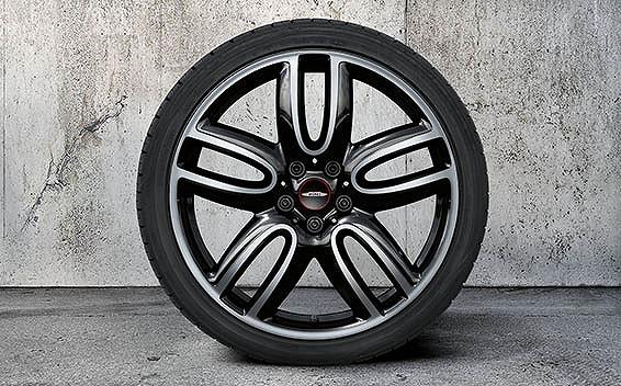 BMW MINI Clubman 26