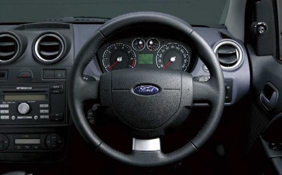 ford focus ghia 2006 interior