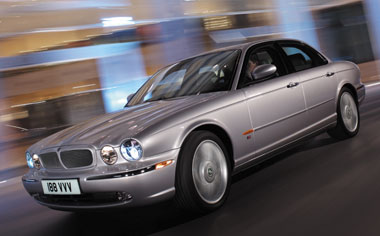 Jaguar XJ Series XJ8 3.5 RHD AT 3.5 (2003)