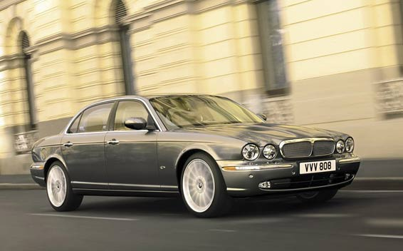 Jaguar XJ Series XJR RHD AT 4.2 (2006)