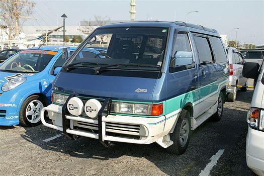 Nissan Largo 3