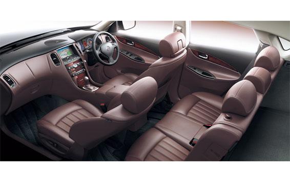 Nissan SKYLINE CROSSOVER 7