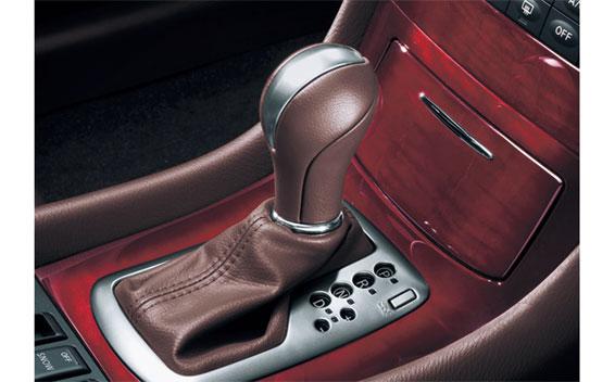 Nissan SKYLINE CROSSOVER 8