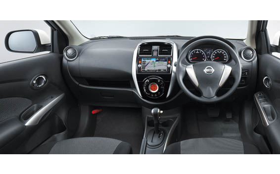 Nissan Latio 5