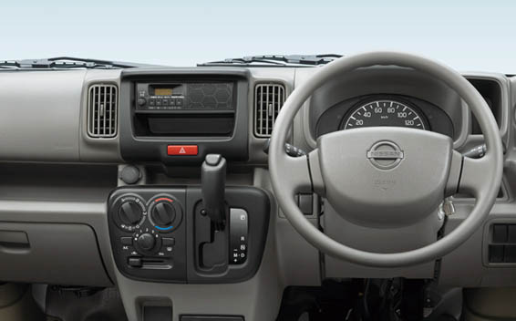 Nissan NV100Clipper 3
