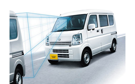Nissan NV100Clipper 6