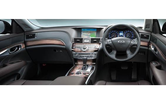 Nissan FUGA HYBRID 6