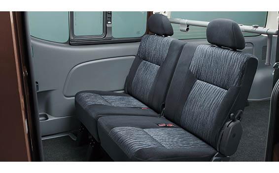 Nissan NV350 Caravan 23