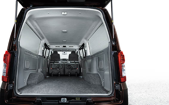 Nissan NV350 Caravan 25