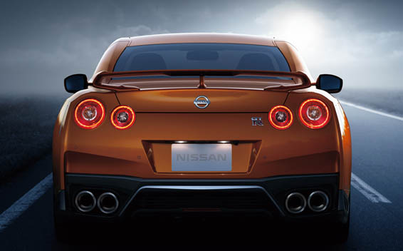 Nissan Nissan GT-R 3