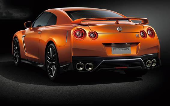 Nissan Nissan GT-R 5