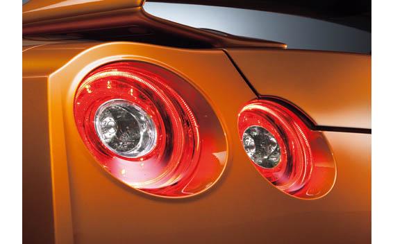Nissan Nissan GT-R 7