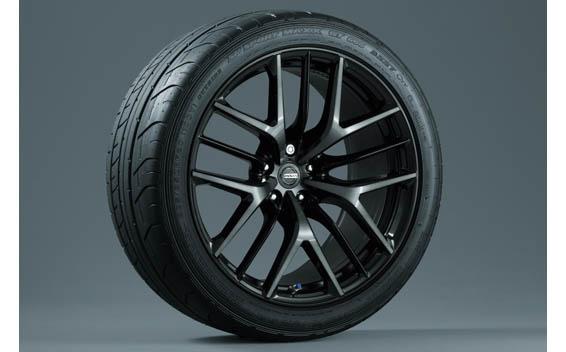 Nissan Nissan GT-R 9