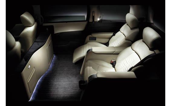 Nissan Elgrand 33