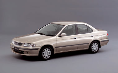 Nissan Sunny SUPER SALOON SV NAVI EDITION AT 1.5 (2001)