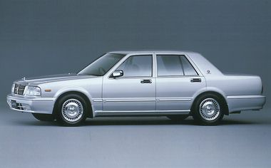 Nissan Cedric Sedan 1