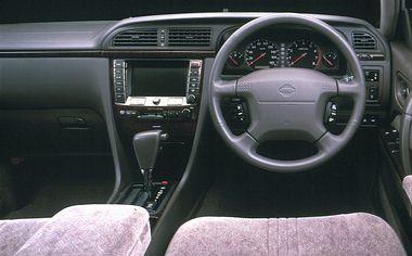 Nissan Cedric Sedan 3